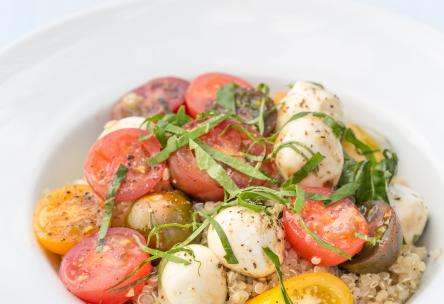 Pizza-Style Mozzarella Quinoa With Roasted Tomatoes
